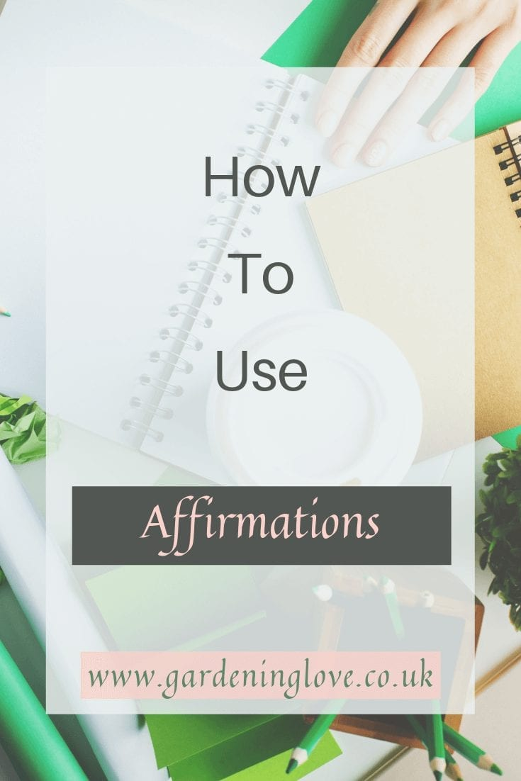 How to use affirmations. What are affirmations and why should you be including them in your daily self care routine? #affirmations #positivemantras #positivesaying #selfcare #dailyrituals #dailyroutine #wellbeingroutine