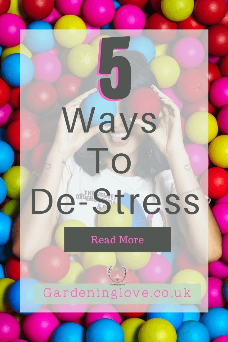 5 Ways to de-stress. Simple techniques to help you unwind and release the pressures of stress on your life. #stress #meditation #journaling #walking #stressrelief